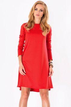 Czerwona trapezowa sukienka z wydłużonym tyłem fashion4u.pl