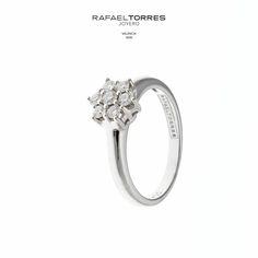 Los #anillos de #diamantes son una pieza clásica y bella para cualquier ocasión del día. #RafaelTorresJoyero