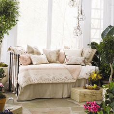 Madaline Day Bed- it's the linens Window Bed, Window Seats, Bedroom Furniture Design, Furniture Ideas, Bedroom Ideas, Bedroom Retreat, Small Space Living, Headboards For Beds, Decorating Small Spaces