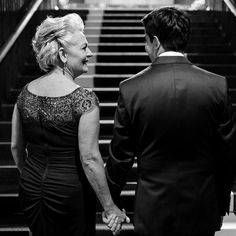 O olhar de uma mãe as vezes vale mais do que qualquer palavra! #casar #noivas2017 #fotografiadecasamento #noiva #casamento #bride #wedding #love #amor #boda #weddingparty #fotografodecasamento #vestidodenoiva #happy #weddingdress #weddinginspiration #family #ceremony #romance #marriage #weddingday #bridalmakeup #instawedding #weddingideas #weddingphotography #noiva #weddingdecor #bridetobe