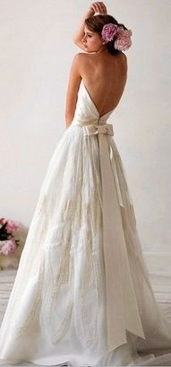 love this low back wedding dress, and the bow! This would be my wedding dress! Bridal Gowns, Wedding Gowns, Backless Wedding, Bow Wedding, Backless Gown, Strapless Dress, Princess Wedding, Dress Lace, Chic Wedding