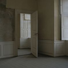 Interior No. Shiplap Paneling, Wainscoting, Panelling, House Of Leaves, Empty Room, Vintage Interiors, Paris Photos, Interior And Exterior, Ramen