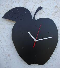 Zegar Jabłuszko:)  Jabłko idealnie nadaje się do kuchni:)