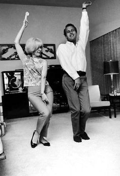 It's Friday! Shake your booty!!! (Joanne Woodward & Paul Newman)