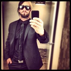 http://www.seth-rollins.com/photos/albums/social/twitter/colby-lopez/034.jpg