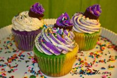 Vanilla buttermilk cupcakes topped with cinnamon cream cheese frosting... all ready to celebrate Mardi Gras!!!