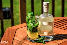 Some Summer cocktail inspiration with Mastiha infused Skinos Liqueur! Skinos Med - Basil, and lemon Skinos cocktail by EVOO Greek Kitchen in Ottawa Food Tips, Food Hacks, Alcoholic Drinks, Beverages, 5 Recipe, Healthy Food, Healthy Recipes, Summer Cocktails, Mediterranean Recipes