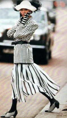 Neil Kirk for Vogue Deutsch, April Fashion by Genny; gloves by Chanel; shoes by Mondi. 1987 Fashion, 80s And 90s Fashion, Retro Fashion, Vintage Fashion, Fashion Outfits, Fashion Mag, Vogue, Power Dressing, Fashion History