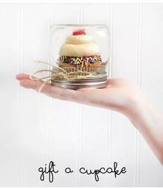 Cupcake gift ,(holiday gift in a mason jar)