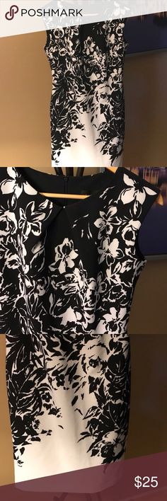 Connected apparel black and white floral dress Easy breezy sheath dress from Connected apparel. Zip back, flattering fit, darting at neck. Great career dress and easy to take into evening connected apparel Dresses
