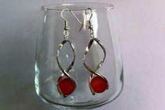 boucles d'oreille acier chirurgical , spirale avec perles verre givré 12 mm couleur orange : Boucles d'oreille par nessymatriochka