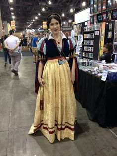 Beautiful Snow White cosplay. Phoenix Comicon 2015