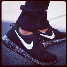 Oh its like they sparkle. This shoe is my new fav- i love the plain black and white. So classic