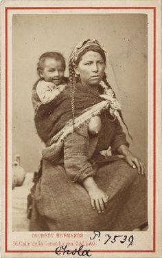 Perú, siglo XIX: Madre e hijo Vintage Photographs, Vintage Photos, Peru History, Colonial Art, Lima Peru, Old Photos, Native American, Berlin, Textiles