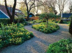 The Craft of Interplanting with Jacqueline van der Kloet, Slide Show - Gallery - Garden Design Public Garden, Garden Landscaping, Tulips, Garden Design, Sidewalk, Around The Worlds, Bloom, Country Roads, Van