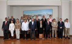 El gobernador Javier Duarte de Ochoa se reunió con diputados plurinominales electos que integrarán la Sexagesimotercera Legislatura, para dialogar sobre diversos temas del desarrollo de Veracruz.
