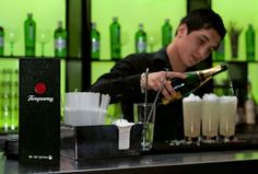 Tanqueray Celebrates Creator's Birthday With Pop Up Gin Palace - http://f3v3r.com/2013/03/14/tanqueray-celebrates-creators-birthday-with-pop-up-gin-palace/
