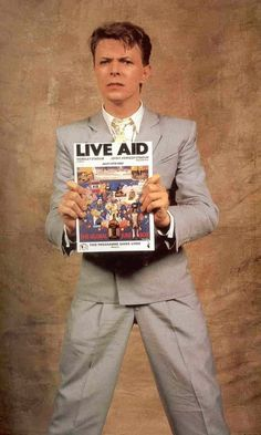 David Bowie - Live Aid promo 1985 I watched so many hours of Live Aid. Very exciting for a 14 year old. David Bowie Born, David Bowie Tribute, Live Aid, The Thin White Duke, Major Tom, Ziggy Stardust, Sound & Vision, Popular Music, David Jones