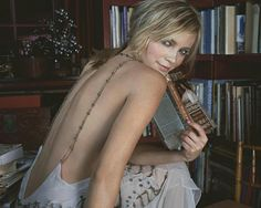 z- Amy Smart w Book in Study- 'InStyle' mag, 2004 Amy Smart, Hot Blondes, Celebs, Celebrities, Woman Crush, Celebrity Pictures, Hot Girls, Backless, Bikini