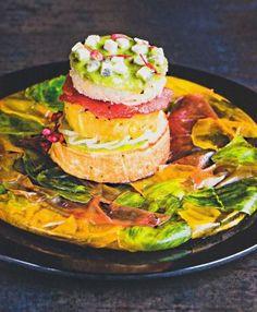 Tomaten-Burger mit Ziegenkäse und Estragon-Mayonnaise