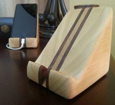 Items similar to Wooden iPhone Stand - Small on Etsy Support Smartphone, Wooden Speakers, Iphone Stand, Iphone 5s, Woodworking Inspiration, Wooden Boat Plans, Wood Scraps, Tablet Stand, Wooden Gifts