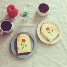 tomato & cucumber flower toast