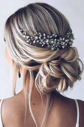 Stunning Wedding Hairstyles For The Elegant Bride - Page 3 of 50 - SooPushHairstyle, wedding hairstyle, wedding, elegant hairstyle.Gorgeous wedding hairstyles for the elegant bride - bride elegant high . Bridal Hairdo, Hairstyle Wedding, Hairstyle Ideas, Casual Wedding Hairstyles, Bridal Hair Updo With Veil, Bridal Updo Hairstyles, Medium Length Wedding Hairstyles, Prom Hairstyles All Down, Hair Ideas