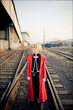 omg-dj-judy:    Full Metal Alchemist Cosplay Cosplayer: kotanimomo Photographer: Shiroang