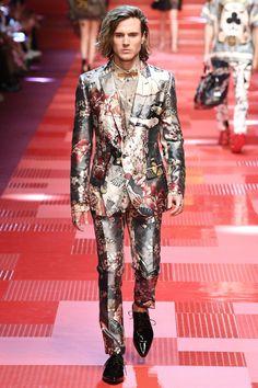 23906b4d5c6d Dolce  amp  Gabbana Spring 2018 Menswear Fashion Show Collection   springmensfashion Summer Fashion Trends,