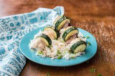 Hähnchen-Gemüse-Spieße mit Basmatireis und Kokosmilch-Soja-Soße Rezept   HelloFresh