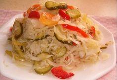 Vegyes vágott savanyúság vödörben (3.) Cabbage, Yummy Food, Meat, Chicken, Vegetables, Ethnic Recipes, Drinks, Winter, Mason Jar Salads