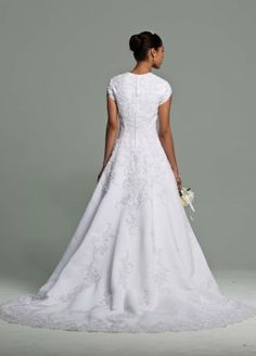 Weddings Are All About Tradition And This Classic Bridal Gown Delivers Just The Right Balance