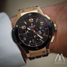 The classic that is the @Hublot Big Bang in rose gold with ceramic bezel.