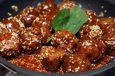 Hugs & CookiesXOXO: FAMOUS ASIAN MEATBALLS WITH TOASTED SESAME SEEDS