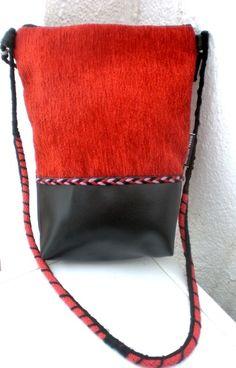 Bolso con tela de tapicería y polipiel