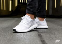 sale retailer c2650 4b6c6 adidas Swift Run (Ftwr White   Crystal White   Core Black)
