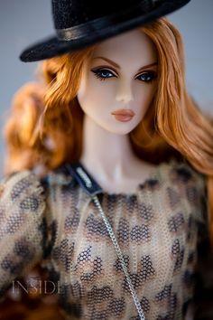 ©2017 Inside The Fashion doll Studio - Timeless Show Eden