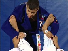 Leo Vieira BJJ - How to pass the spider guard - YouTube