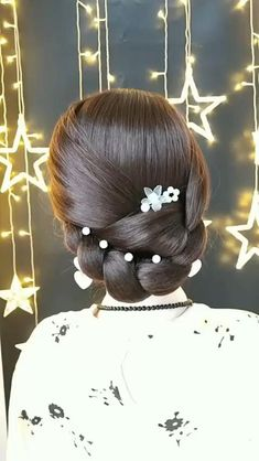 Braided Hairstyles for Long Hair Videos Simple tutorial bridal hair inspiration, check out more vide Easy Hairstyles For Long Hair, Braids For Long Hair, Bride Hairstyles, Cute Hairstyles, Hairstyles Videos, Hairstyles For Ladies, Simple Hairstyle Video, Ladies Hairstyles, Halloween Hairstyles