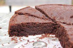 Aucune prétention de ma part, ce gâteau a été intitulé ainsi car il est pour moi, le gâteau au chocolat PARFAIT, mon préféré, celui qui a su me faire tourner la
