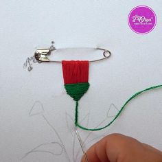 🌺 ¡Hola! Ahora te comparto cómo realizar flores con flecos fácilmente. Hand Embroidery Patterns Flowers, Hand Embroidery Videos, Embroidery Stitches Tutorial, Embroidery Flowers Pattern, Hand Embroidery Designs, Embroidery Techniques, Hand Embroidery Letters, Embroidery Ideas, Creative Embroidery