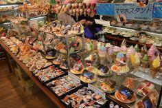 plastic food show window