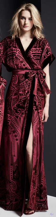 Zuhair Murad Fall 2019 Ready-to-Wear Fashion Show Zuhair Murad, Dark Red Dresses, Blonde Moments, Indian Bridal Hairstyles, Glamour, Fashion Show, Fashion Design, Ready To Wear, Autumn Fashion