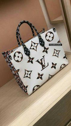 💋See it, Like it, Pin it! Luxury Purses, Luxury Bags, Luxury Handbags, Fashion Handbags, Purses And Handbags, Fashion Bags, Handbag Accessories, Fashion Accessories, Sacs Design