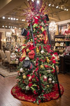 Let Linly Designs ignite your passion for the Christmas season with the largest and most exquisite selection of unique Christmas decorations in the Chicagoland area! Elegant Christmas Trees, Unique Christmas Decorations, Christmas Tree Design, Christmas Tree Themes, Christmas Home, Christmas Ideas, Christmas Displays, Christmas 2019, Merry Christmas