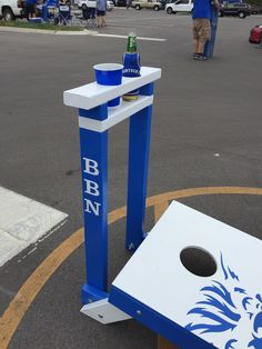 Custom University of Kentucky corn hole boards with drink holder, equipped with bottle opener. Check out www.facebook.com/fishscustoms for more information.