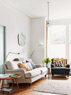 The fresh light-filled home of food stylist / writer Anna Jones. Photography: Idha Lindhag. Stylist: Linda Berlin.