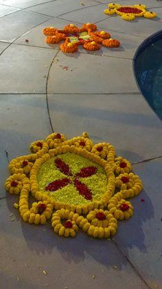 Floral rangoli Rangoli Designs Flower, Rangoli Ideas, Rangoli Designs Diwali, Diwali Rangoli, Flower Rangoli, Beautiful Rangoli Designs, Flower Mandala, Flower Designs, Diy Diwali Decorations