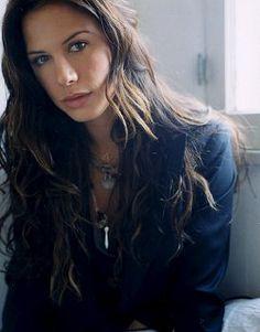 Rhona Mitra -- as half hawaiian half haole Adeleana Nakoi, dangerous beauty. Beautiful Celebrities, Beautiful Actresses, Gorgeous Women, Beautiful People, Pretty People, English Actresses, Actors & Actresses, Classic Actresses, Lara Croft Model