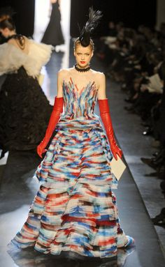 Desfile de Jean Paul Gaultier. París. Fotos, crónicas, diseñadores y modelos de todos los desfiles de la pasarela de Alta Costura Primavera-Verano 2011. Alta Costura - Primavera-Verano.